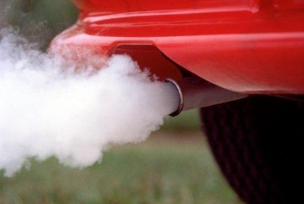 Сильный дым из выхлопной трубы что делать