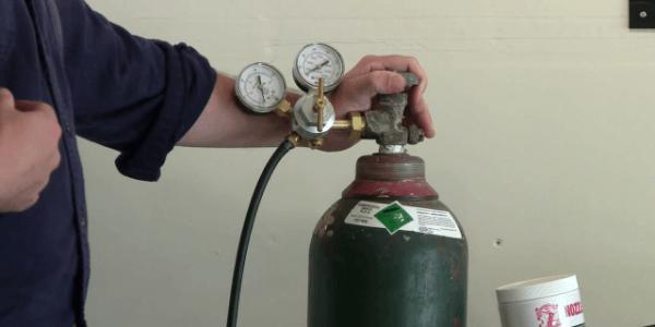 Ручная сварка труб в защитном газе