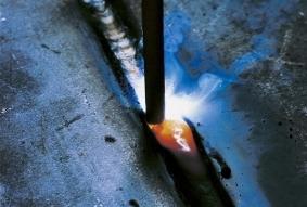 Ручная дуговая сварка элементов трубопроводов
