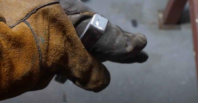 Ручка из трубы для металлической двери
