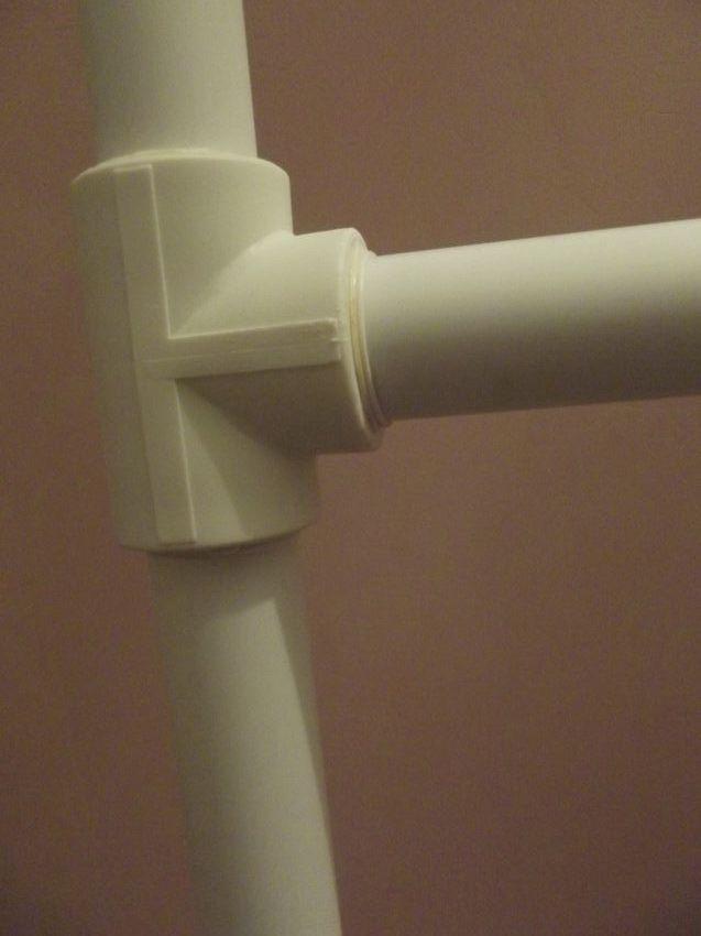 Сделать из пластиковых труб турник