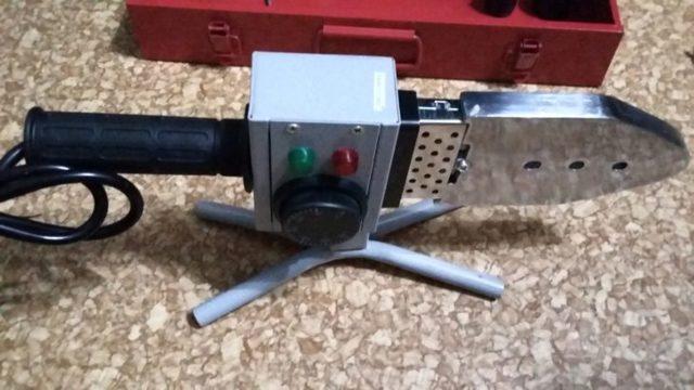 Утюг для пайки труб из полипропилена