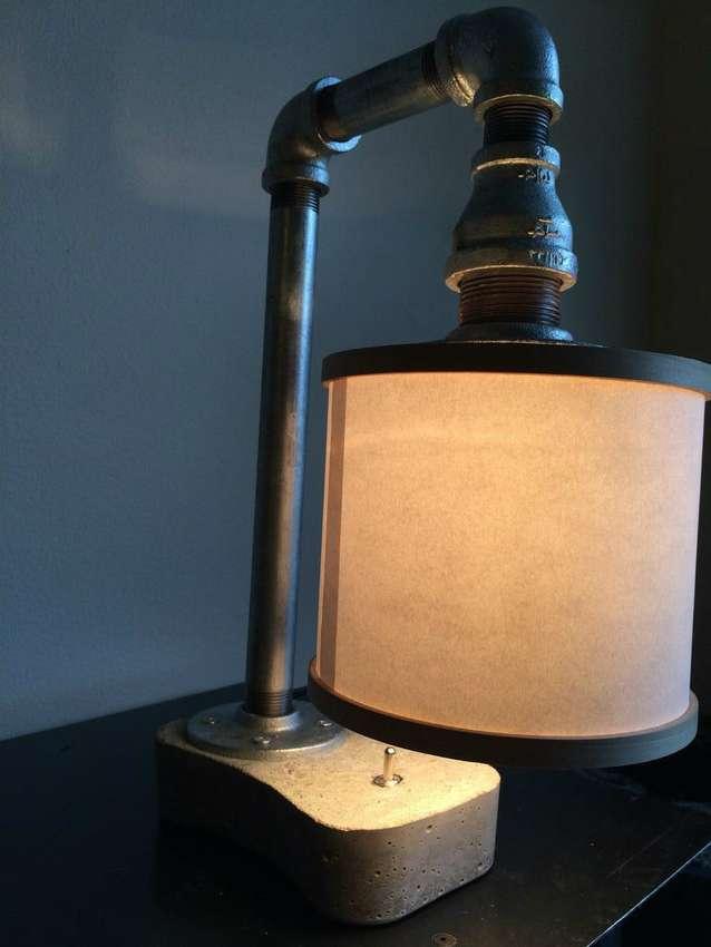 Светильник из стеклянной трубы
