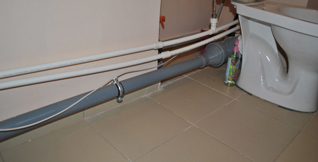 Фиксаторы для труб канализации