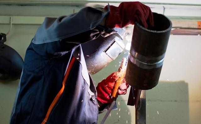 Ручная дуговая сварка труб с поворотом