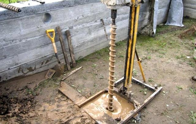 Ручное бурение скважин с обсадной трубой