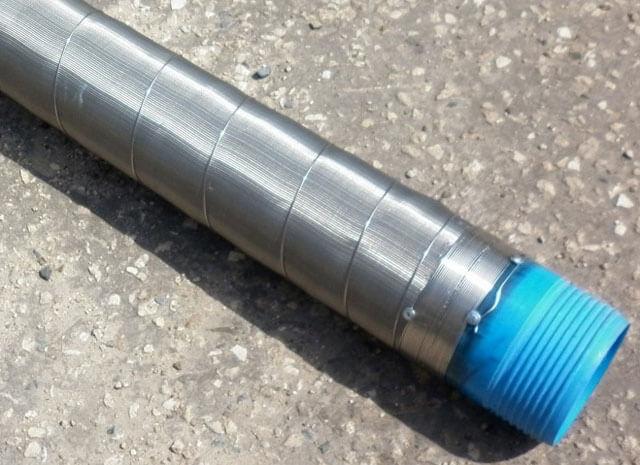 Тонкая труба для скважины