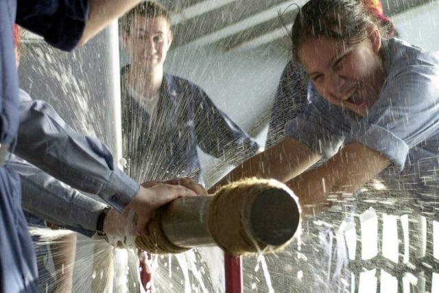 Сварка трубы при текущей воде